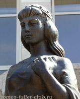 Джульетта . Скульптура Ромео и Джульетта Анатолия Скнарина . г. Батайск . 2008  -  Juliet . Detail of the sculpture Romeo and Juliet by Anatoly Sknarin. Bataysk