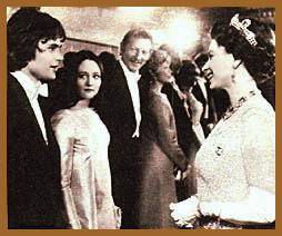 Leonard Whiting and Olivia Hussey are introduced to Queen Elisabeth
