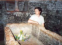 Our traditional lilies for Romeo and Juliet.. Vladimir in Juliet's Tomb in Verona