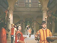 The courtyard of Palazzo Piccolomini transformed into the Capulet's one for the film