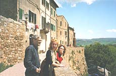 Pienza. Panoramic passage and a magnificent view of Orcia Valley