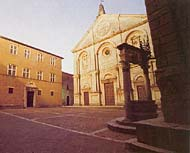 Pienza. PIo II Square. The Cathedral and the well of Rosselino where Mercutio appeared with a mask