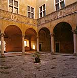Pienza. The real look of the courtyard of Palazzo Piccolomini, without a well